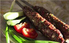 Кебаб из свинины и говядины на мангале
