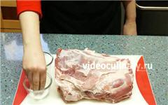 Свиная шея запечённая в духовке